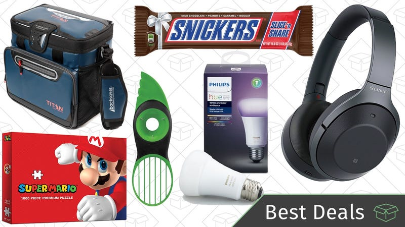 Illustration for article titled Saturday's Best Deals: Noise Canceling Headphones, Philips Hue, Board Game Sale, and More