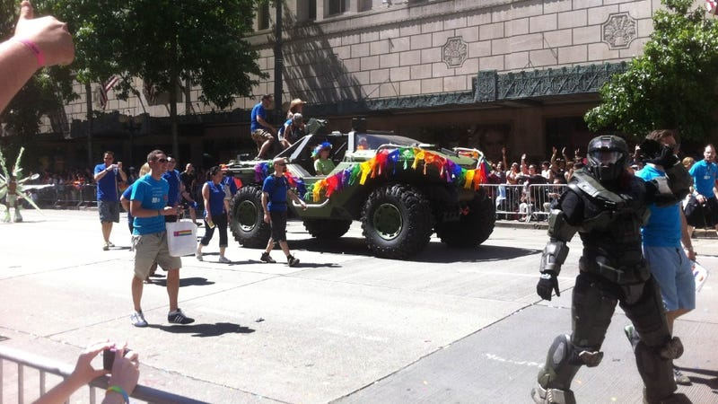 Illustration for article titled Microsoft Sends a Halo Warthog to the Seattle Pride Parade
