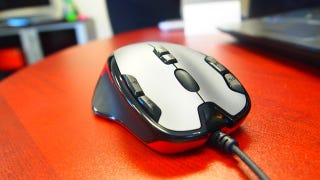 Illustration for article titled Logitech's New G300 Is $40 of Ambidextrous Awesome