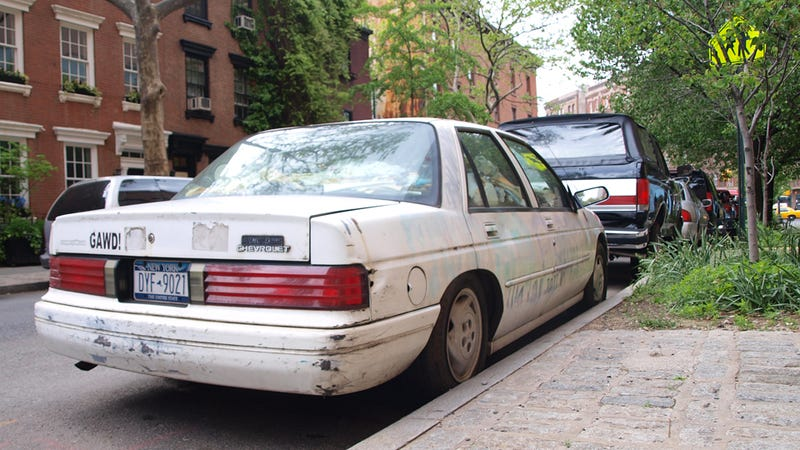 Illustration for article titled Manhattan's Trash-Filled Chevy Corsica: Photo Gallery