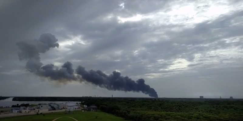 Illustration for article titled SpaceX Rocket Explodes On Launch Pad In Florida (Update: No One Injured)