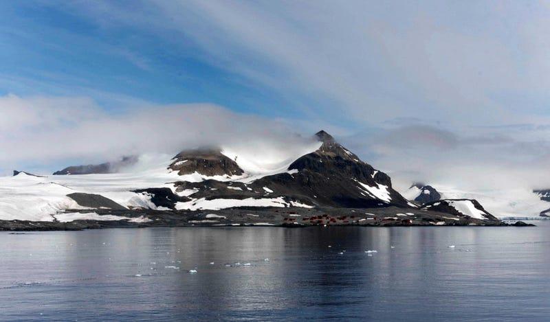 Científicos descubren la zona volcánica más grande del mundo