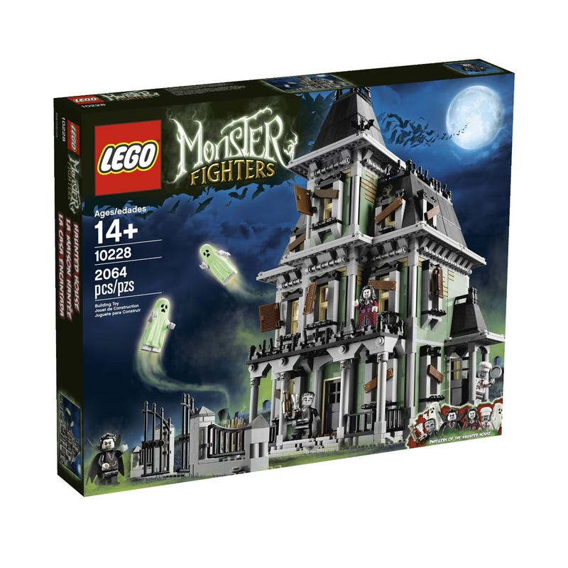 Illustration for article titled The Empress Reviews: Lego Monster Fighters Haunted House