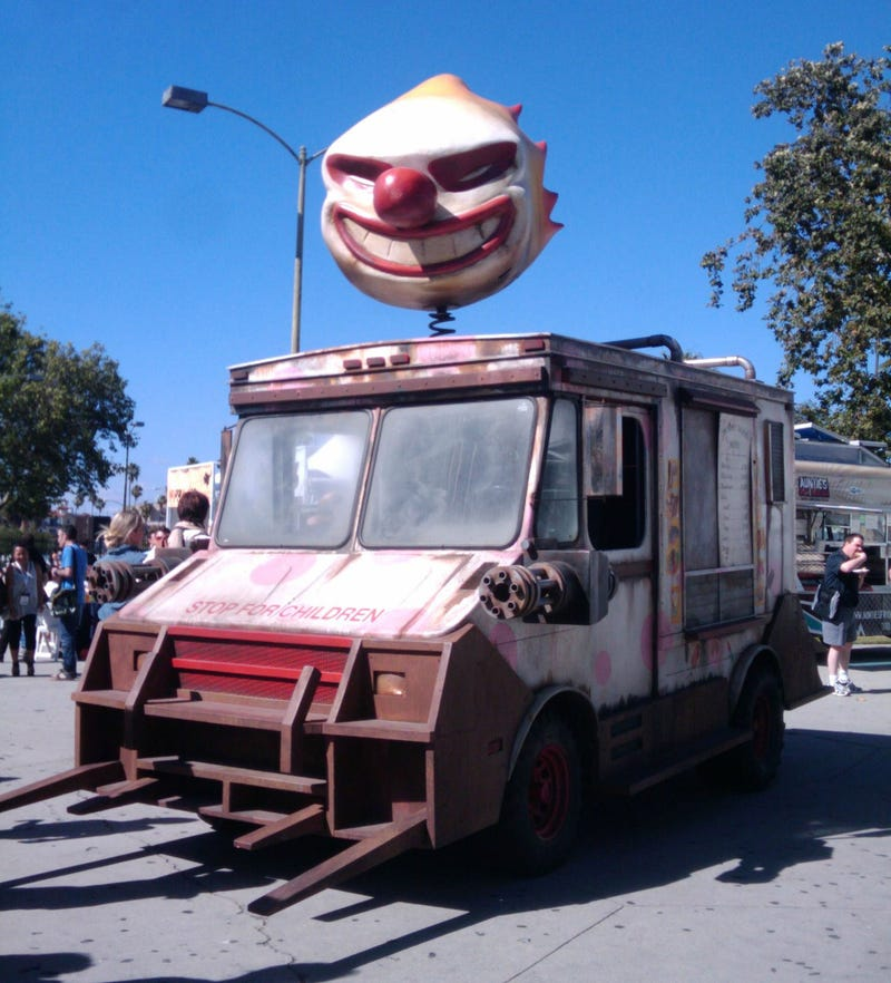 Illustration for article titled Sweet Tooth from Twisted Metal is more terrifying in real life