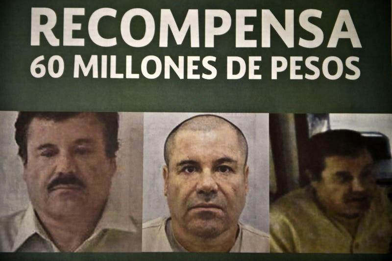 Notice published in a newspaper offering a reward for El Chapo (Yuri Cortez/Getty Images)