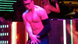Illustration for article titled Rob Gronkowski Danced Shirtless And Wrestled At A Vegas Club And Fell On His Bad Arm