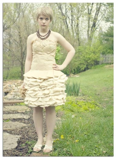 Illustration for article titled Teen Makes Prom Dress Out Of Coffee Filters