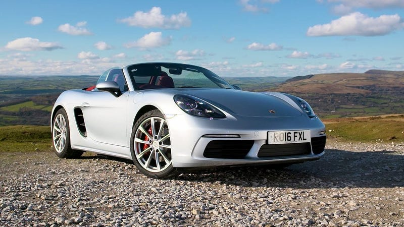 Illustration for article titled Chris Harris Thinks Porsche Spoiled The New Boxster By Making It Better