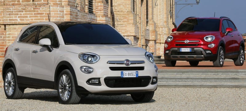 Illustration for article titled You'll Pay More For A 2016 Fiat 500X Than A Jeep Renegade