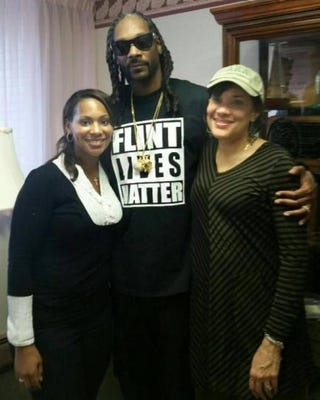 Kristin Moore, Snoop Dogg and Flint, Mich., Mayor Karen WeaverTwitter