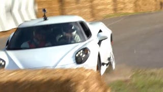 Illustration for article titled Alfa 4C storms the Goodwood hill, eats hay