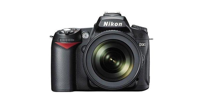 Illustration for article titled Grab a Nikon D90 Digital SLR with 18-105mm VR Lens for Only $599
