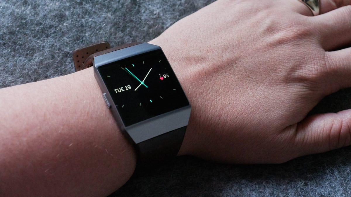 a1f1d43aabb I Hate Almost Everything About Fitbit s New Watch—But There Is One Thing I  Love