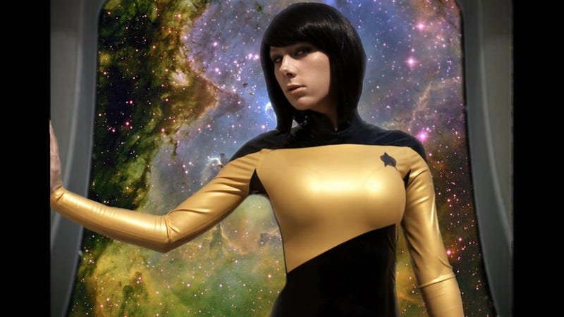 """Illustration for article titled """"Lady Data"""" cosplay photos feature a gorgeous latex Star Fleet uniform"""