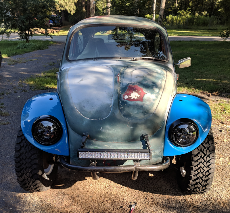Illustration for article titled 1969 Baja Bug: Now with TWO painted fenders and headlights.