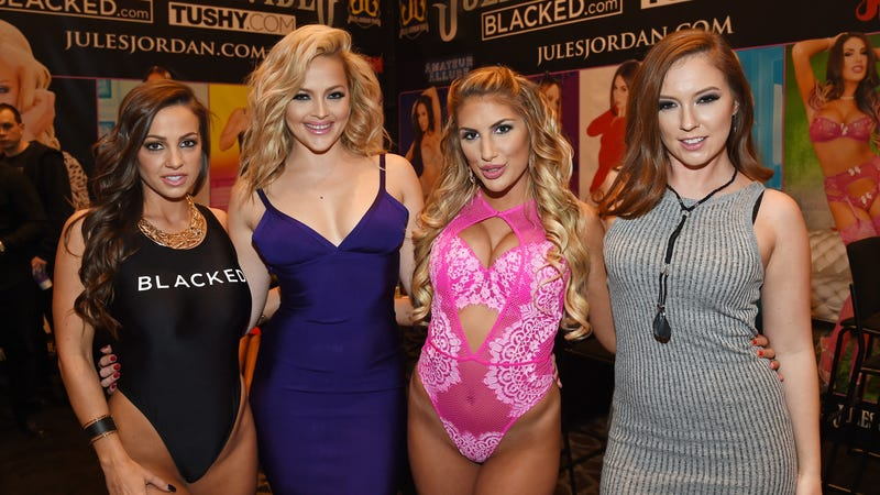 August Ames, third from left at the 2016 AVN Adult Entertainment Expo. Image via Getty.