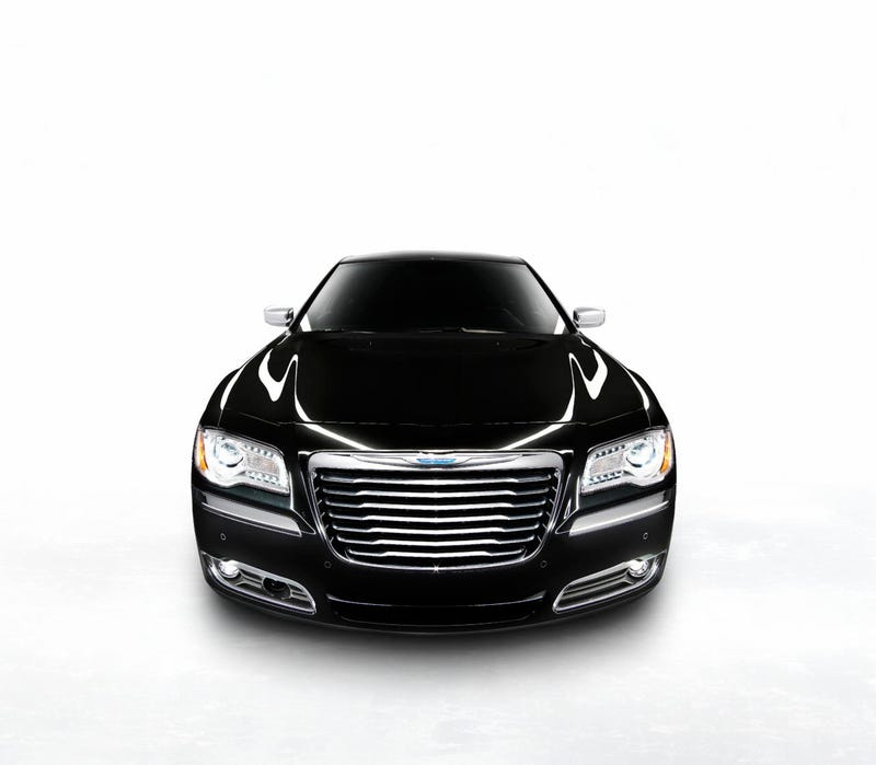 Illustration for article titled 2011 Chrysler 300 Gallery