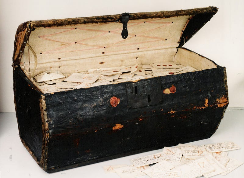 Illustration for article titled This Rediscovered Leather Trunk Contains Thousands of Letters From the 17th Century