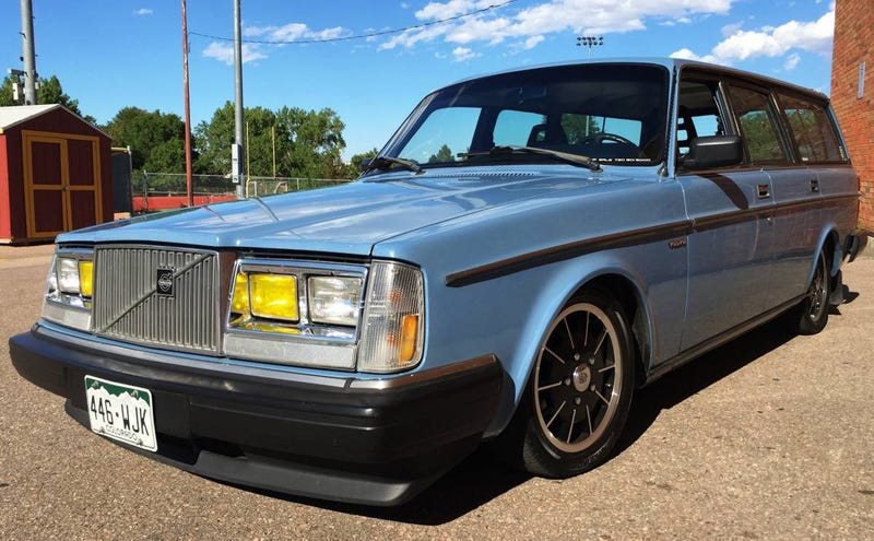 Illustration for article titled Would You Drop $7,500 On This Dropped 1984 Volvo 245 Wagon?