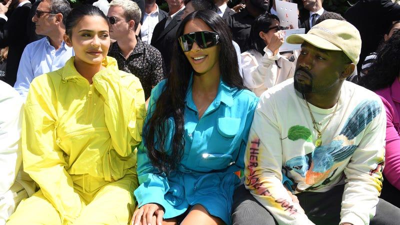 Illustration for article titled Kim Kardashian Says Kanye Is 'Harassing' Her for Seven Kids