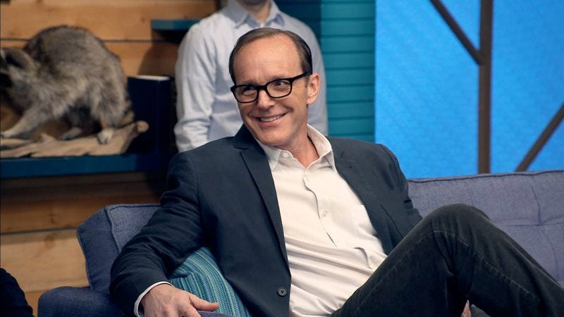 """Illustration for article titled Comedy Bang! Bang!: """"Clark Gregg Wears A Navy Blazer & White Collared Shirt"""""""