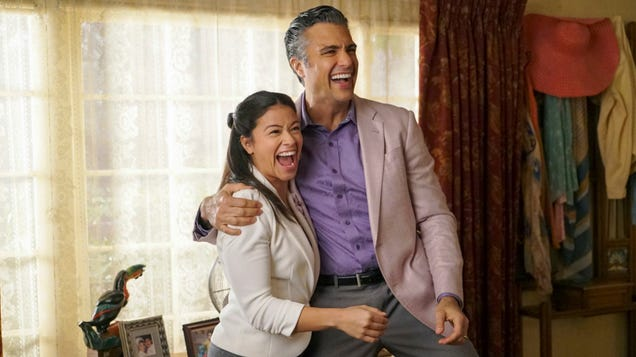 Jane The Virgin signals it's time for the emotional warfare of its farewell season to begin in earnest
