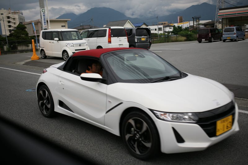Illustration for article titled Spotted: Honda S660, the best Kei car you can't have.