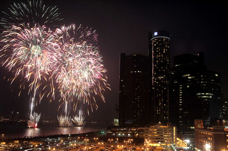 Illustration for article titled All Of The Botched Reporting On Last Night's Detroit Fireworks 'Chaos'