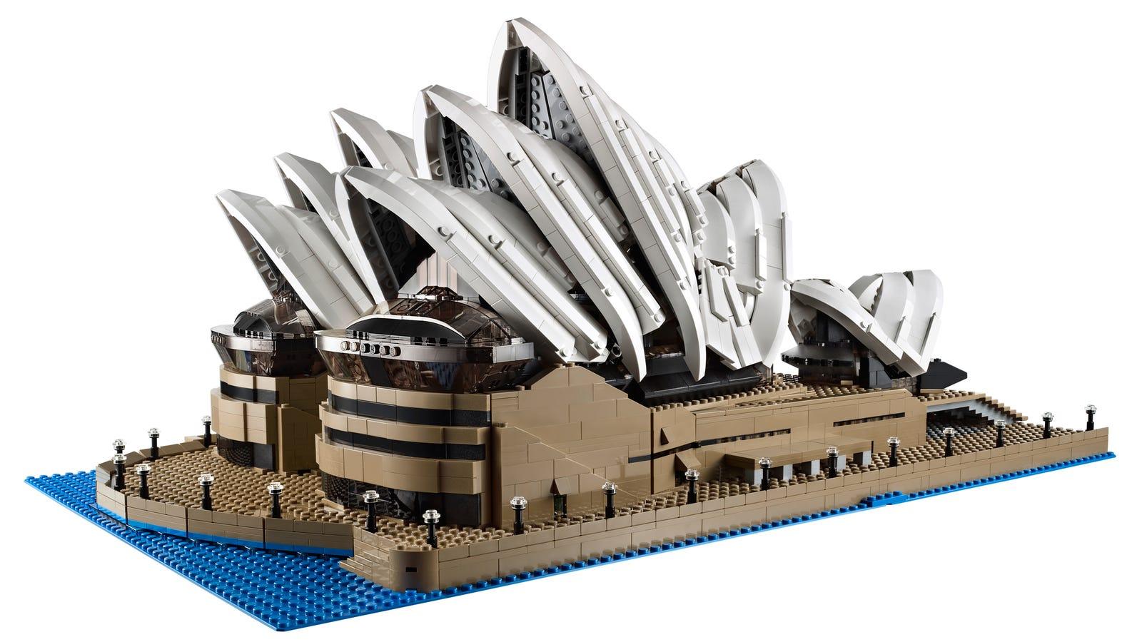 New Lego Sydney Opera House Is Huge—Almost 3,000 Bricks