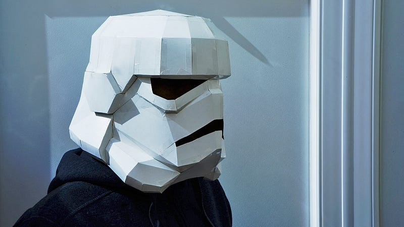 Illustration for article titled Got an Empty Cereal Box? You Can Easily Make a Slick Star Wars Costume