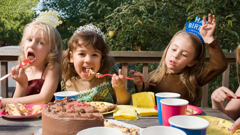 Illustration for article titled Send Thank You Videos After Your Kid's Birthday Party