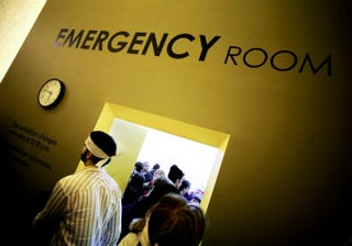 Illustration for article titled U.S. Emergency Rooms Are Bracing For An Ebola Panic