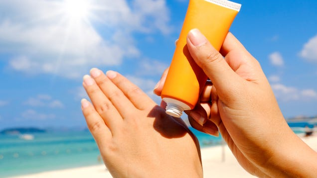 Instead of  Reef Safe,  Use This Kind of Sunscreen
