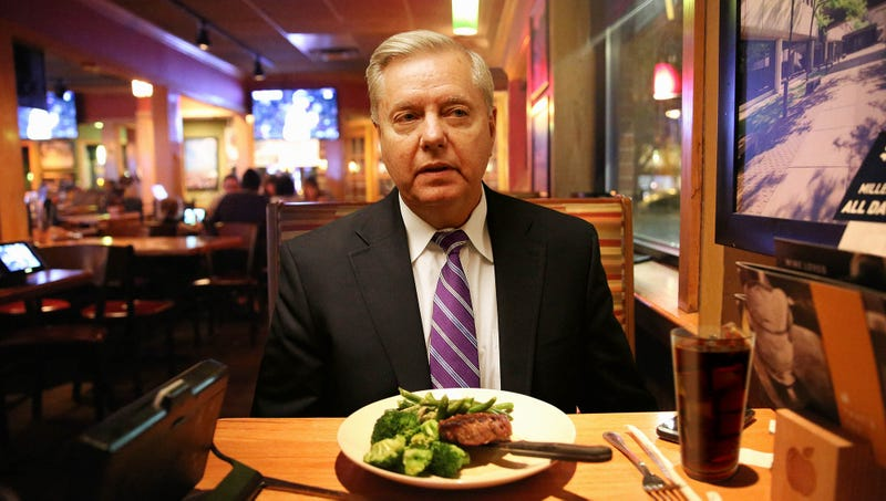Illustration for article titled Lindsey Graham Dining Alone At Applebee's Kind Of Wishes Protesters Would Come Heckle Him