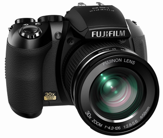 Illustration for article titled Fujifilm HS10 Not-a-DSLR Packs Manual Optical 30x Zoom, 1080p Video