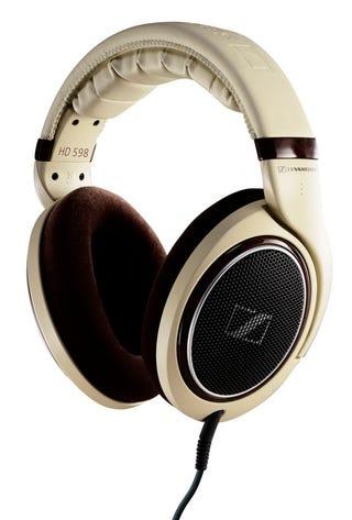 "Illustration for article titled Sennheiser's 500 Series of Headphones Have Pun-Tastic ""Eargonomic Acoustic Refinement"" Tech"