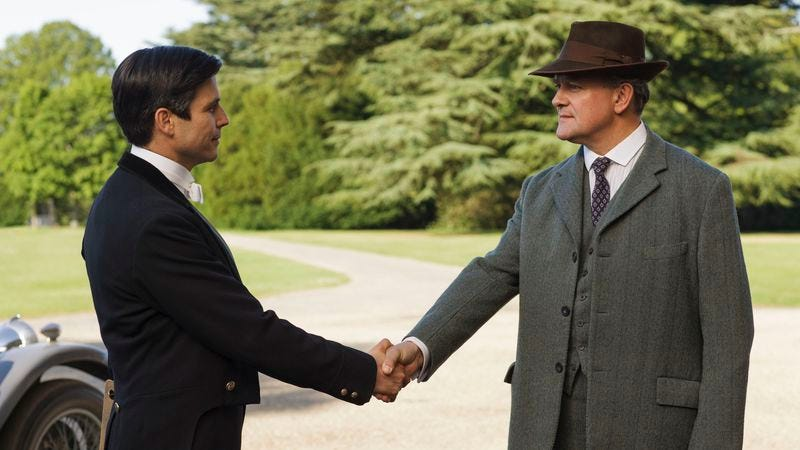 (Rob James-Collier, Hugh Bonneville) (Nick Briggs/Carnival Film & Television Limited 2015 for Masterpiece)