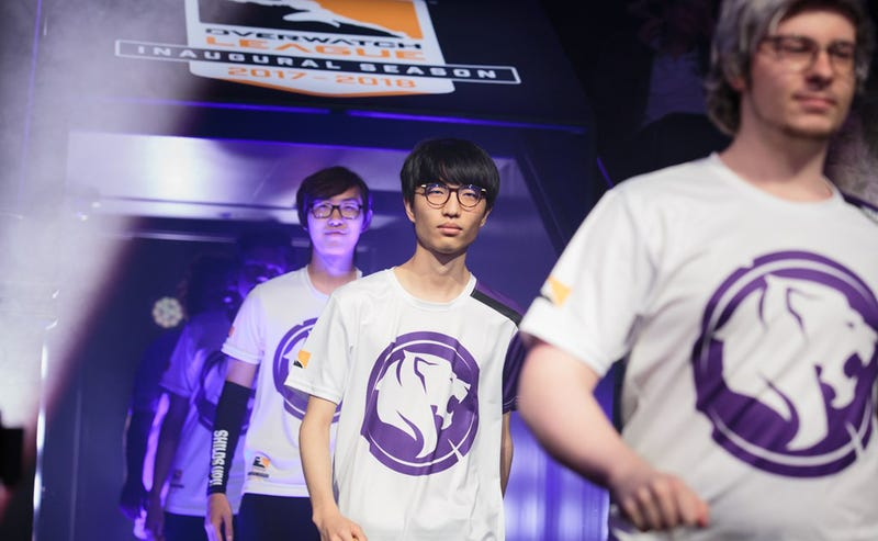 Illustration for article titled Overwatch Pro Stomps Former Team That Benched Him