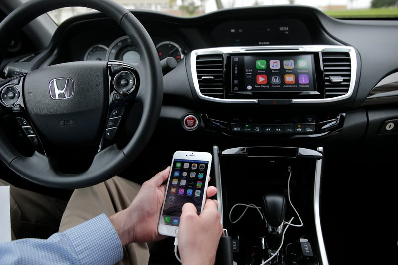 You'll Soon Be Able To Use Apple CarPlay Without A Cord