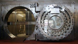 Illustration for article titled A Baby Was Trapped Inside a Time-Locked Bank Vault By Herself