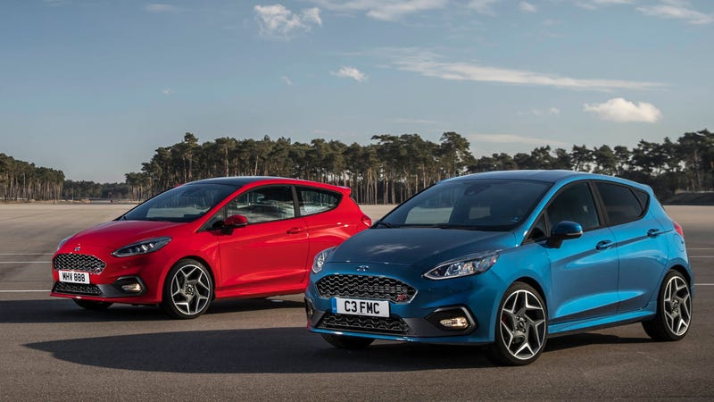 the 2018 ford fiesta st is absurdly high tech for a three. Black Bedroom Furniture Sets. Home Design Ideas