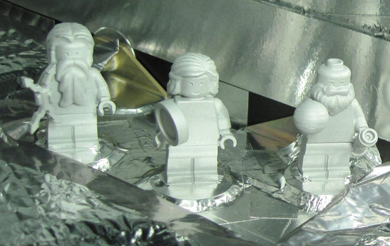 Illustration for article titled These Three Lego Minifigs Are Going to Jupiter