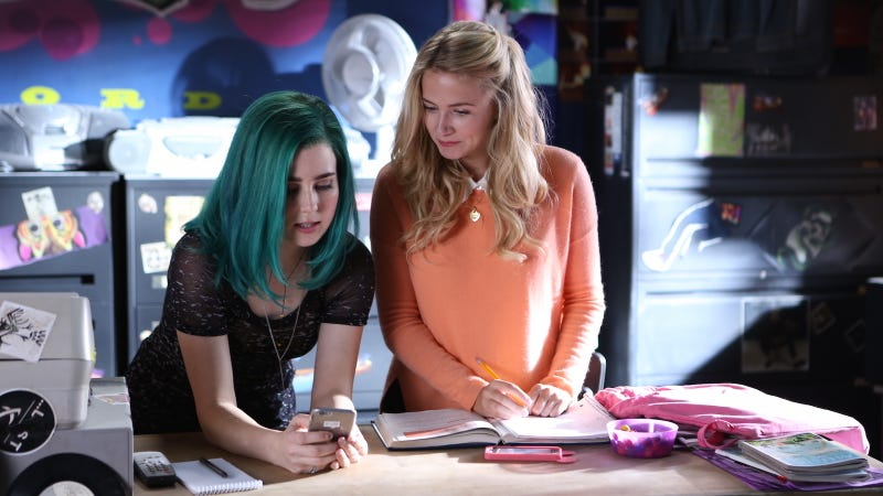 Taylor Dearden as Ophelia and Eliza Bennett as Jules in Sweet/Vicious. Image via MTV.