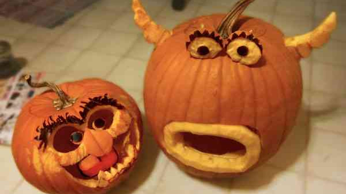 Incredible But Real Science Fiction And Fantasy Pumpkin Carvings
