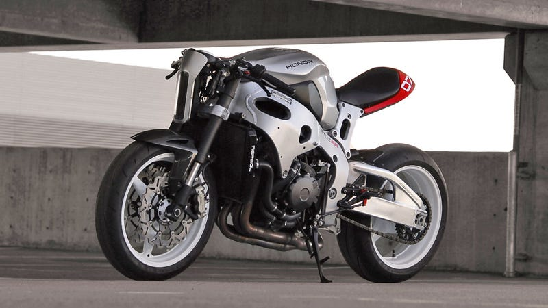 Illustration for article titled This Kit Will Transform Your Honda CBR Into A Sci-Fi Street Fighter