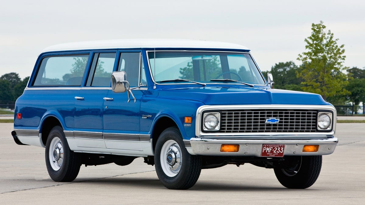 See The Chevy Suburban Grow Up In This Great Gallery Of Every Generation