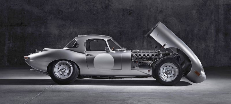 Illustration for article titled Jaguar Brings Back The Lightweight E-Type And It Is Unbelievably Sexy