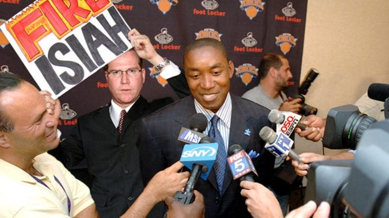 Illustration for article titled 'Fire Isiah' Chant Breaks Out During Knicks' Front-Office Meeting