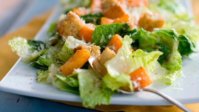 CDC: Do Not Eat Any Romaine Lettuce Until We Can Figure Out What the Hell Is Going On