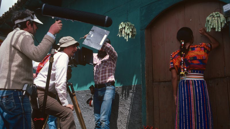 Gregory Nava directs a scene from El Norte.